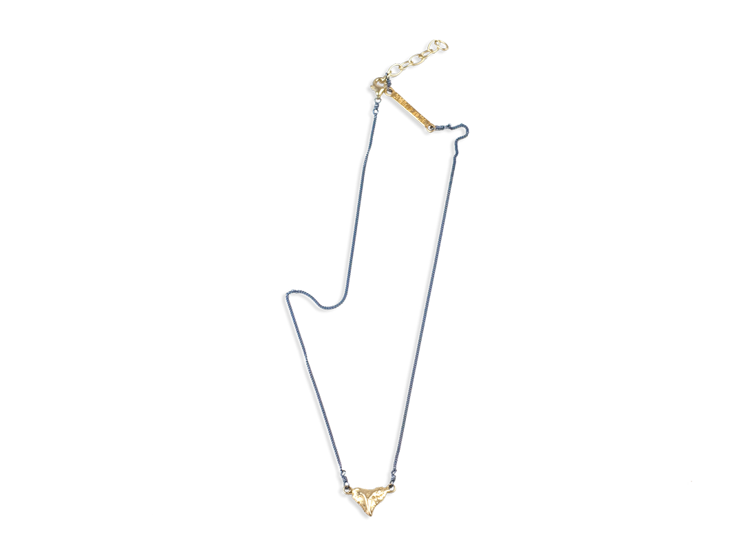 Small Shark Tooth Necklace Gold slide