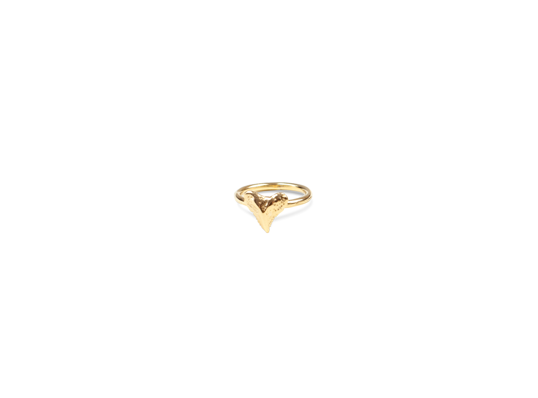 mini shark tooth ring gold slide