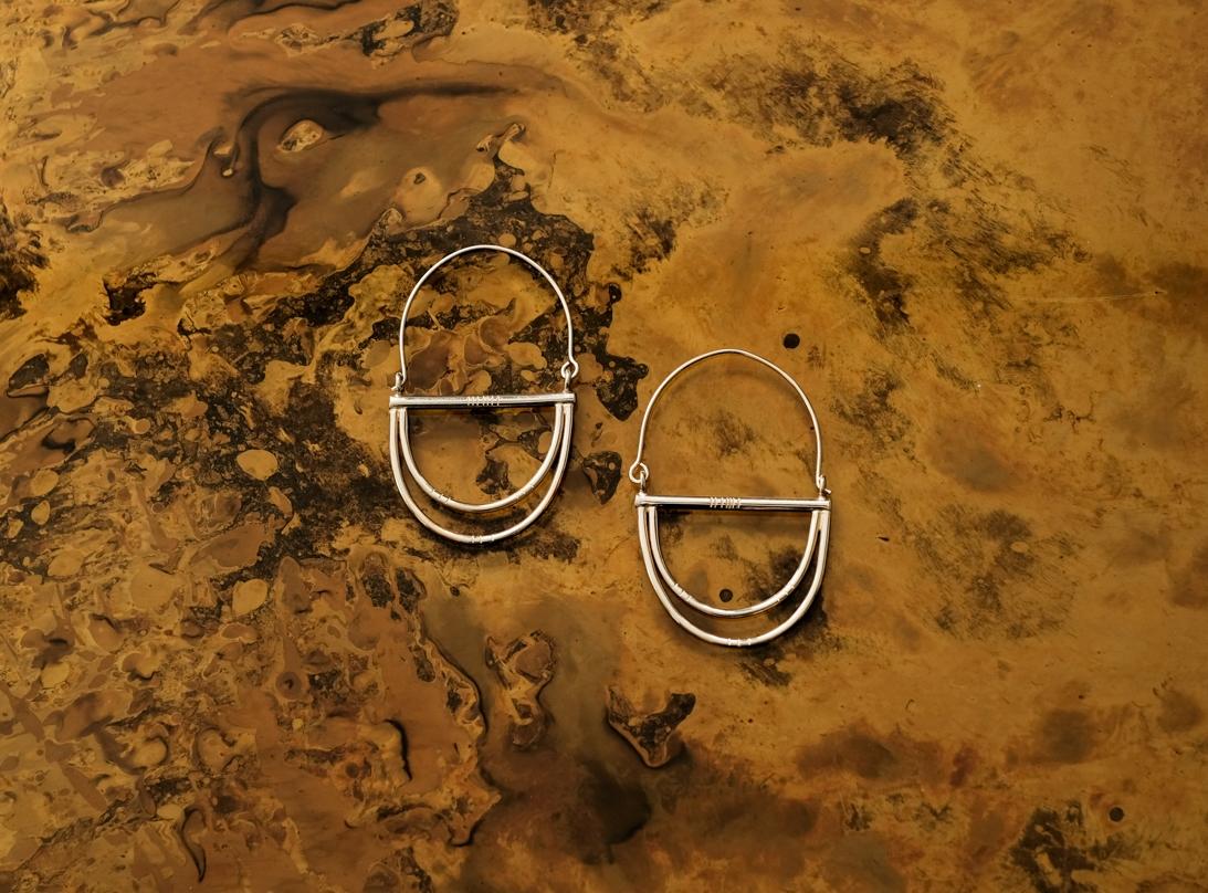 paddle earrings gold slide