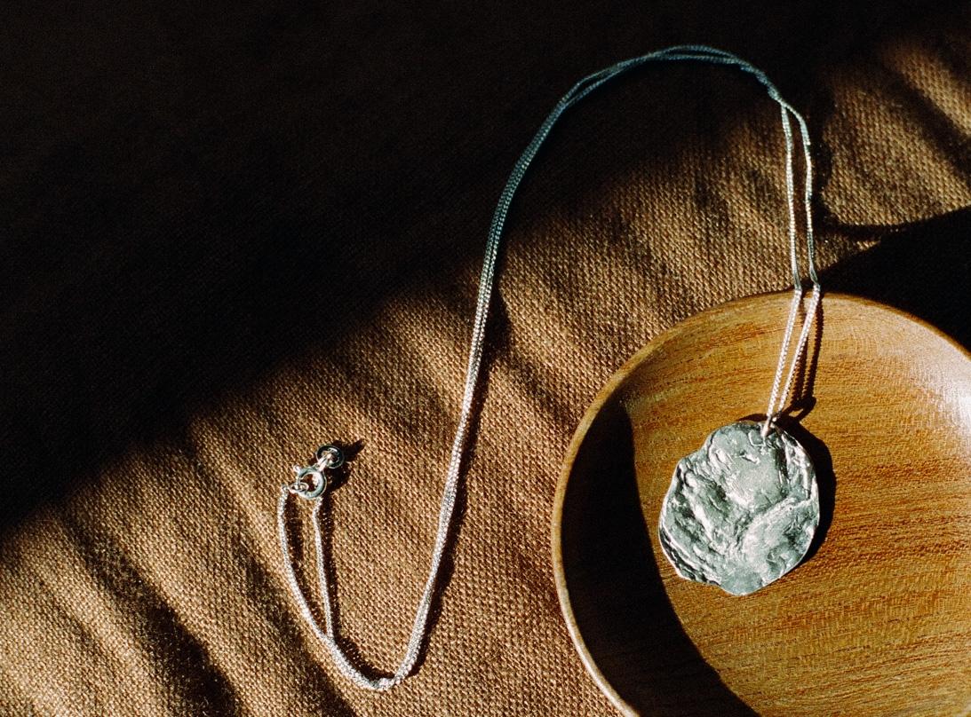 Anomia Necklace silver  slide